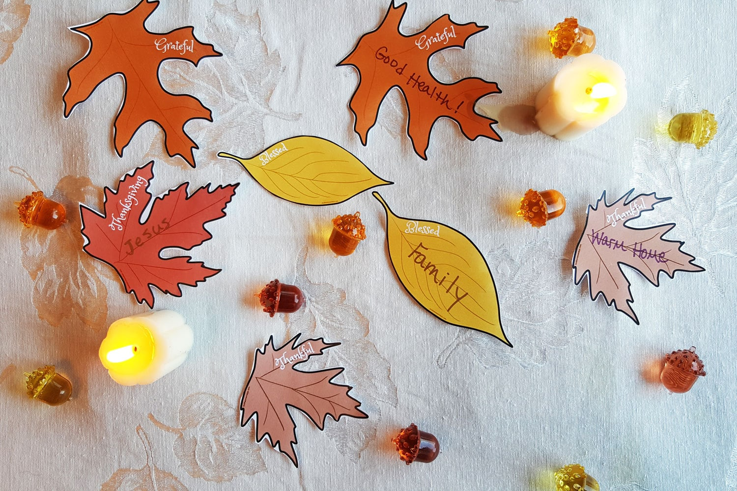 Thankful Tree Leaves for DIY Thanksgiving Table Decor, free printable featured on the Southern Momdays blog